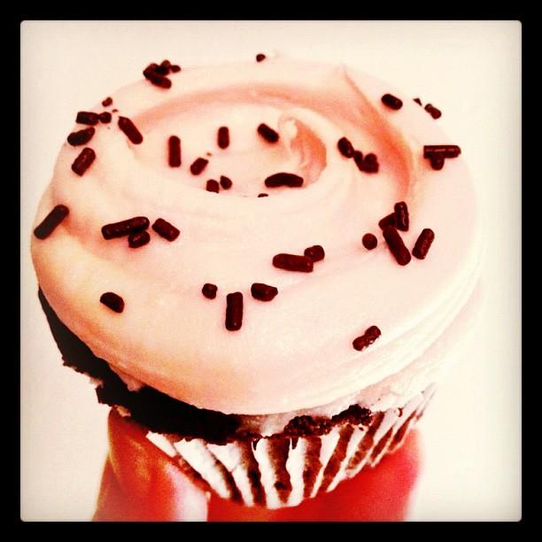 instafriday - magnolia bakery cupcake